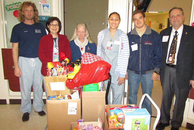 Toy-donation-2012-2